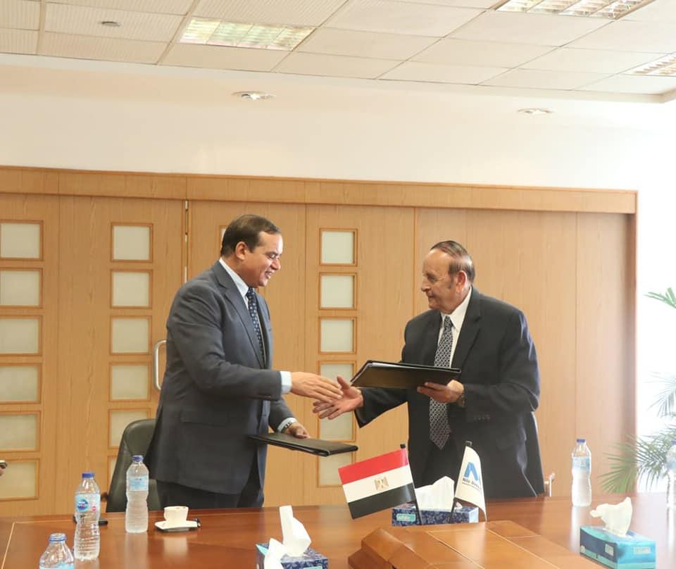 بروتوكول تعاون بين جامعتي سوهاج و النيل لخدمة الطلاب
