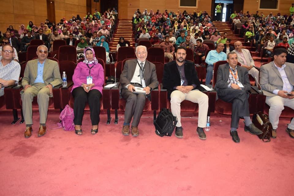 """افتتاح المهرجان الشعري """"في حب النيل"""" بجامعة سوهاج."""