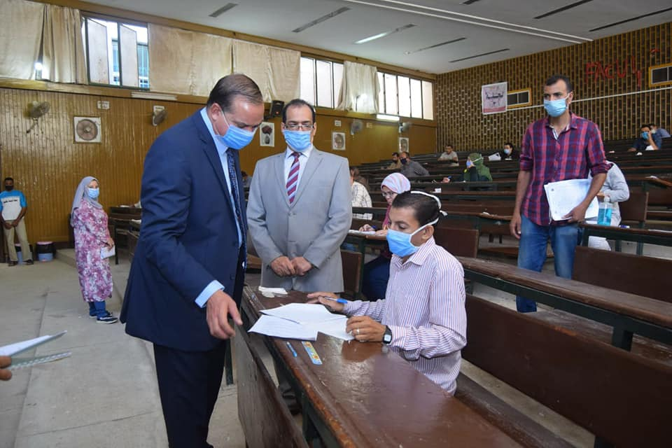 The president of the university inspects the exams of open education