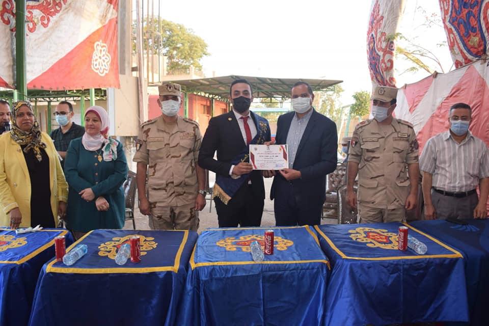 """تكريم طلاب جامعة سوهاج المشاركين في المشروع التدريبي """"صقر ٧٥"""""""