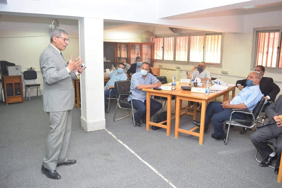"""رئيس جامعة سوهاج يفتتح فعاليات التدريب الثاني لأعضاء هيئة التدريس المرشحين لمنصب """"عميد كلية"""""""