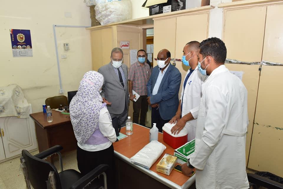 """تواصل حملة تطعيم """"فيروس كورونا"""" لمنسوبي جامعة سوهاج"""
