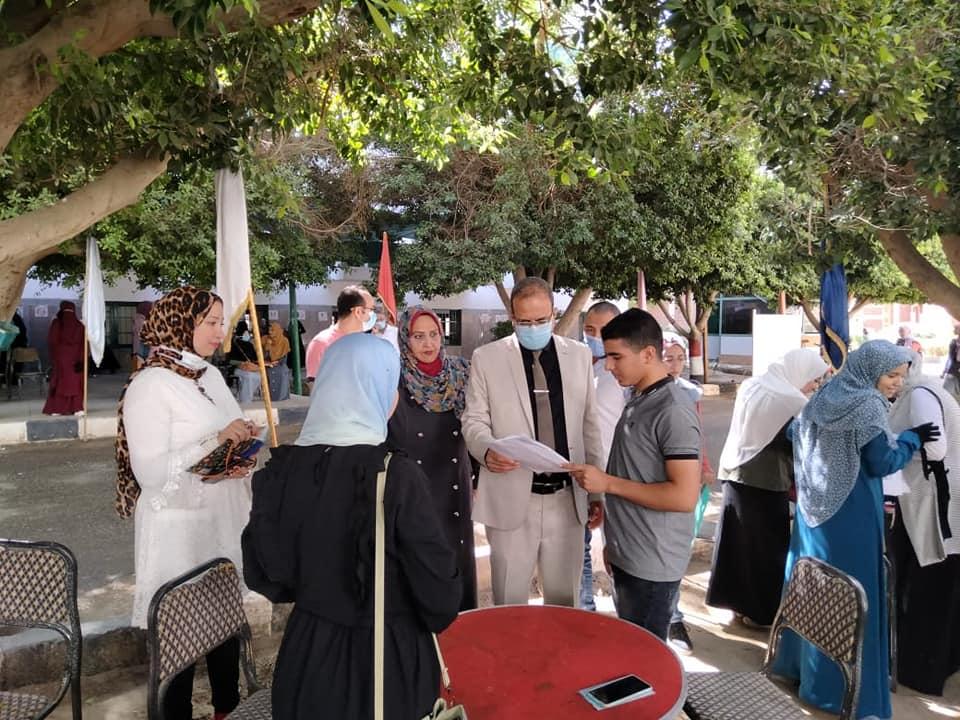 المدن الجامعية بسوهاج تبدأ إجراءات التسكين الورقي للطلاب القدامى بتطعيمهم لقاح كورونا