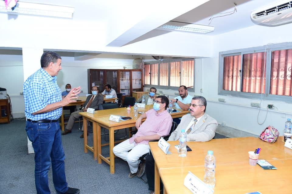 إفتتاح البرنامج التدريبي الثالث  للترشح لمنصب عميد كلية بجامعة سوهاج
