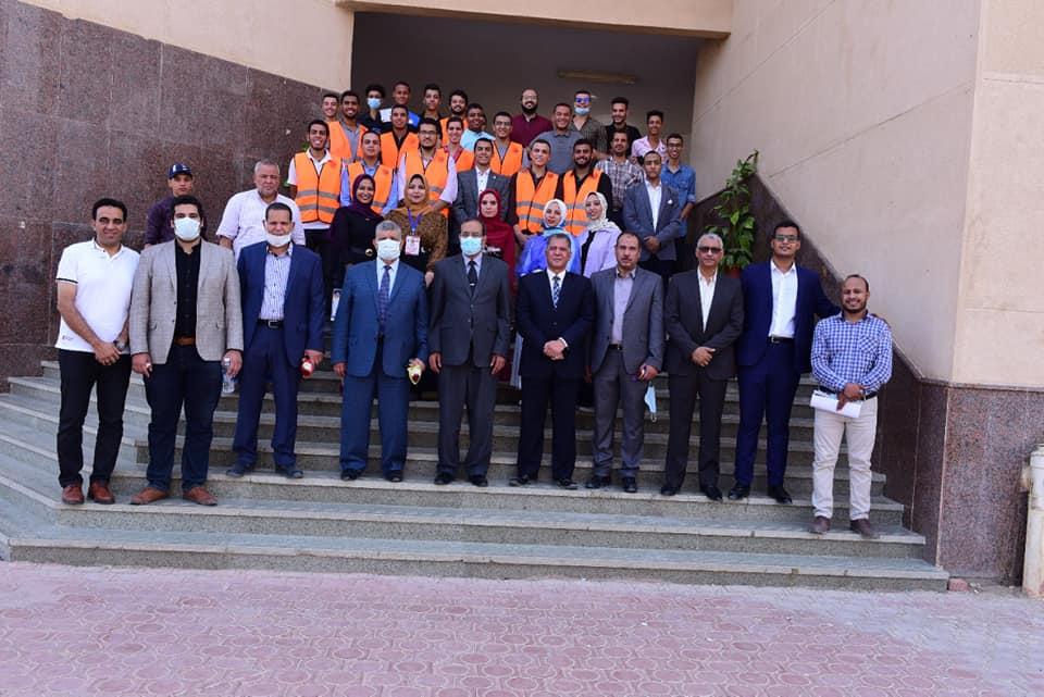هندسة سوهاج تحتفل باستقبال ٤١٠ طالب بالعام الدراسي الجديد وتكرم أوائل الفرق